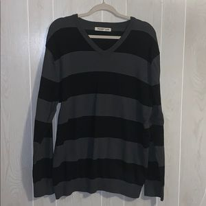 📦 Moving Sale! 📦 Men's Old Navy striped sweater